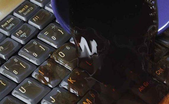 laptop dizüstü bilgisayarınıza sıvı dökülürse ne yapmalısınız
