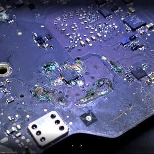 dizüstü bilgisayarınıza sıvı döküldükten sonra anakart durumu